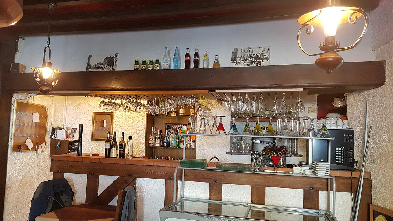 Bar du restaurant La Petite Marmite à Gap