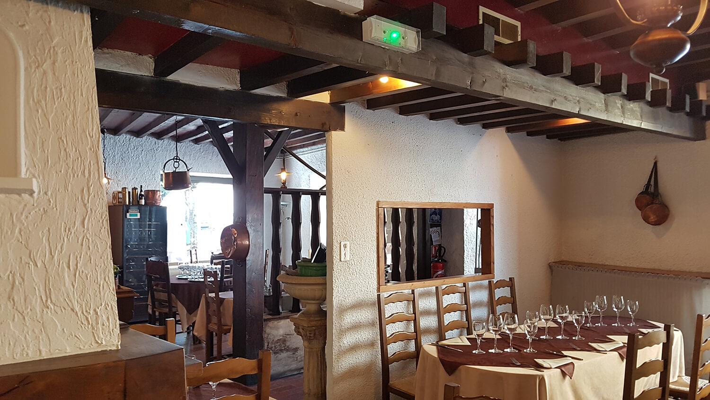Salle du restaurant : cuisine maison