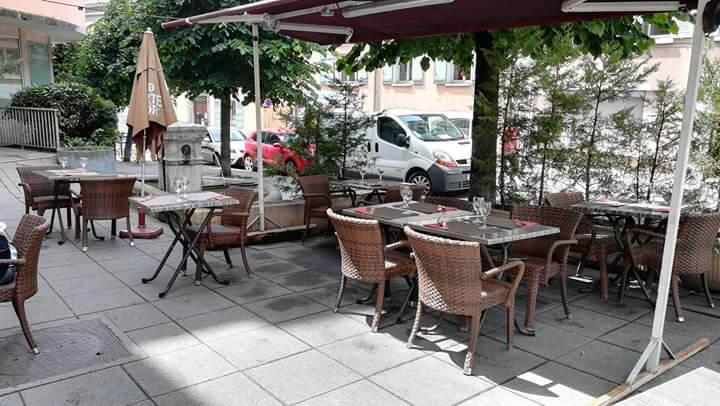 Terrasse du restaurant la Petite Marmite à Gap